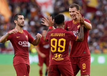 Edin Dzeko, Henrikh Mkhitaryan, Justin Kluivert during the Italian Serie A football match between AS Roma and US Sassuolo at the Olympic Stadium in Rome, on september 15, 2019. (Photo by Silvia Lore/NurPhoto via Getty Images)