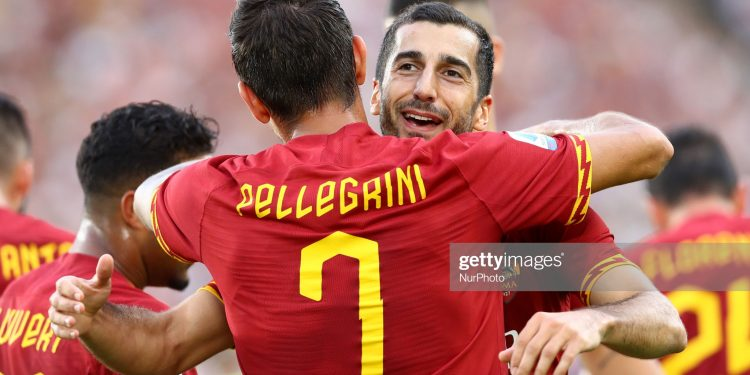 Henrikh Mkhitaryan of Roma celebrates with Lorenzo Pellegrini after scoring during the Serie A match AS Roma v US Sassuolo at the Olimpico Stadium in Rome, Italy on September 15, 2019  (Photo by Matteo Ciambelli/NurPhoto via Getty Images)