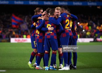BARCELONA, SPAIN - NOVEMBER 09: FC Barcelona players celebrate after their teammate Lionel Messi scored their team's third goal during the La Liga match between FC Barcelona and RC Celta de Vigo at Camp Nou stadium on November 09, 2019 in Barcelona, Spain. (Photo by Alex Caparros/Getty Images)