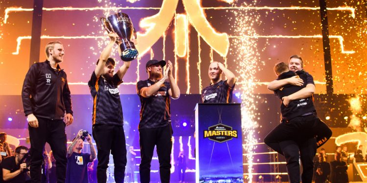 191006 Andreas Samuelsson, head coach, Maikil Kunda Selim Golden, Robin Rönnquist Flusha, Lars Freddy Johansson Krimz, Ludvig Brolin Brollan and Jesper Wecksell JW of team Fnatic celebrate with the trophy after winning the final in Counter Strike Global Offensive between Fnatic and Team Vitality at Dreamhack Masters on October 6, 2019 in Malmö. Photo: Petter Arvidson / BILDBYRAN / kod PA / 92362 bbeng e e-sports esport counter strike dreamhack masters dreamhack masters 2019 counter strike global offensive Fnatic Team Vitality final jubel  191006 Andreas Samuelsson, head coach, Maikil Kunda Selim Golden , Robin Rönnquist Flusha , Lars Freddy Johansson Krimz , Ludvig Brolin Brollan and Jesper Wecksell JW of team Fnatic celebrate with the trophy after winning the final in Counter Strike Global Offensive between Fnatic and Team Vitality at Dreamhack Masters on October 6, 2019 in Malmö Photo Petter Arvidson BILDBYRAN kod PA 92362 bbeng e sport e sports esport counter strike dreamhack masters dreamhack masters 2019 counter strike global offensive Fnatic Team Vitality final jubel, PUBLICATIONxNOTxINxDENxNORxSWExFINxAUT Copyright: PETTERxARVIDSON BB191006PA058