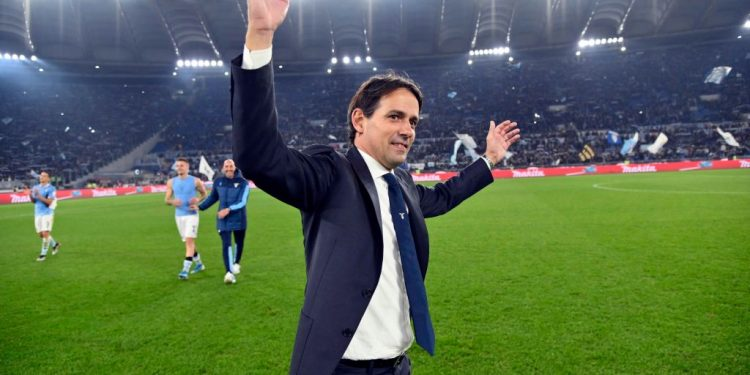 ROME, ITALY - DECEMBER 07:  SS Lazio head coach Simone Inzaghi celebrates a winner game after the Serie A match between SS Lazio and Juventus at Stadio Olimpico on December 7, 2019 in Rome, Italy.  (Photo by Marco Rosi/Getty Images)