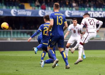 VERONA, ITALY - DECEMBER 15: Alejandrto Berenguer of Torino scores his team's second goal during the Serie A match between Hellas Verona and Torino FC at Stadio Marcantonio Bentegodi on December 15, 2019 in Verona, Italy. (Photo by Tullio M. Puglia/Getty Images)