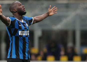 MILAN, ITALY - DECEMBER 21:  Romelu Lukaku of FC Internazionale celebrates after scoring the opening goal during the Serie A match between FC Internazionale and Genoa CFC at Stadio Giuseppe Meazza on December 21, 2019 in Milan, Italy.  (Photo by Emilio Andreoli - Inter/Inter via Getty Images)