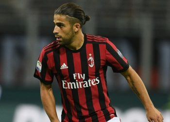 MILAN, ITALY - SEPTEMBER 20:  Ricardo Rodriguez of AC Milan in action during the Serie A match between AC Milan and Spal at Stadio Giuseppe Meazza on September 20, 2017 in Milan, Italy.  (Photo by Claudio Villa/Getty Images)