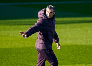 BARCELONA, SPAIN - JANUARY 05: Ernesto Valverde, head coach of FC Barcelona during a training session at Estadi Johan Cruyff on January 05, 2020 in Barcelona, Spain. (Photo by Quality Sport Images/Getty Images)