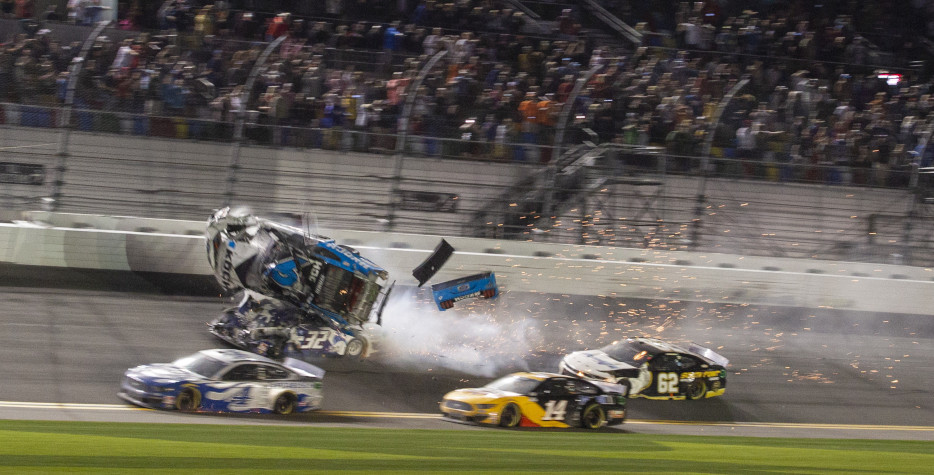 Ավտոարշավորդ Ռայան Նյումանը ծանր վթարի է ենթարկվել Daytona 500 մրցավազքում