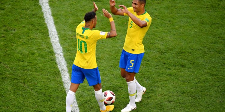 SAMARA, RUSSIA - JULY 02:  Neymar Jr Casemiro of Brazil celebrate victory following the 2018 FIFA World Cup Russia Round of 16 match between Brazil and Mexico at Samara Arena on July 2, 2018 in Samara, Russia.  (Photo by Hector Vivas/Getty Images)