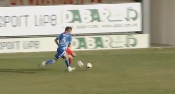 Մակեդոնիայում ֆուտբոլիստը ձեռքով վերցրել է գնդակն ու ընդհատել մրցակցի գրոհը (տեսանյութ)