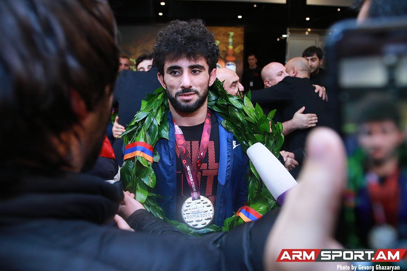 Ուրախ եմ, որ կարողացա մեր երկրի դրոշը բարձր պահել թուրքերից ու ադրբեջանցիներից. ԵԱ-ի չեմպիոն Գևորգ Ղարիբյան