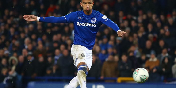 LIVERPOOL, ENGLAND - DECEMBER 18: Mason Holgate of Everton scores in the penalty shoot-out during the Carabao Cup Quarter Final match between Everton FC and Leicester FC at Goodison Park on December 18, 2019 in Liverpool, England. (Photo by Chris Brunskill/Fantasista/Getty Images)