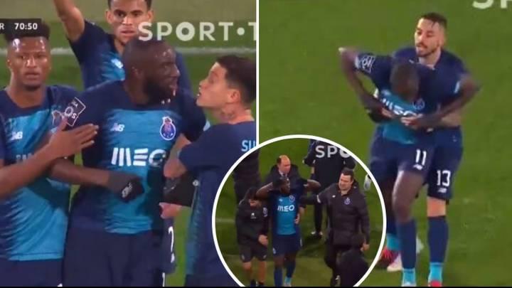 Պորտուի ֆուտբոլիստ Մարեգան լքել է դաշտը ռասիզմի պատճառով