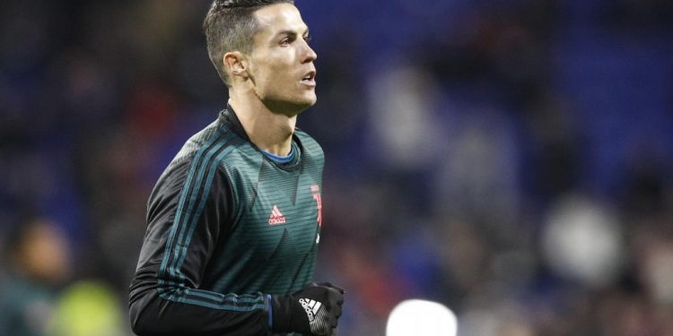 Lyon (France), 26/02/2020.- Cristiano Ronaldo of Juventus FC warms up ahead of the UEFA Champions League round of 16 first leg soccer match between Olympique Lyon and Juventus FC in Lyon, France, 26 February 2020. (Liga de Campeones, Francia) EFE/EPA/YOAN VALAT