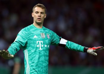 BERLIN, GERMANY - MAY 25: Goalkeeper Manuel Neuer of Muenchen reacts during the DFB Cup final between RB Leipzig and Bayern Muenchen at Olympiastadion on May 25, 2019 in Berlin, Germany. (Photo by Alex Grimm/Bongarts/Getty Images)