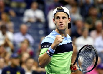 NEW YORK, NEW YORK - SEPTEMBER 04: Diego Schwartzman of Argentina celebrates a point during his Men's Singles quarterfinal match against Rafael Nadal of Spain on day ten of the 2019 US Open at the USTA Billie Jean King National Tennis Center on September 04, 2019 in the Queens borough of New York City. (Photo by Al Bello/Getty Images)