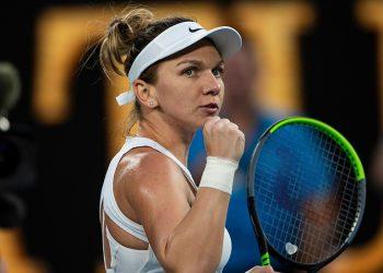 SIMONA HALEP (ROU)  TENNIS , AUSTRALIAN OPEN,  MELBOURNE PARK, MELBOURNE, VICTORIA, AUSTRALIA, GRAND SLAM, HARD COURT, OUTDOOR, ITF, ATP, WTA, 2020,  © TENNIS PHOTO NETWORK