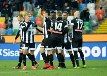 UDINE, ITALY - DECEMBER 10:  Kevin Lasagna of Udinese Calcio is mobbed by team mates after scoring his teams second goal goal  during the Serie A match between Udinese Calcio and Benevento Calcio at Stadio Friuli on December 10, 2017 in Udine, Italy.  (Photo by Dino Panato/Getty Images)