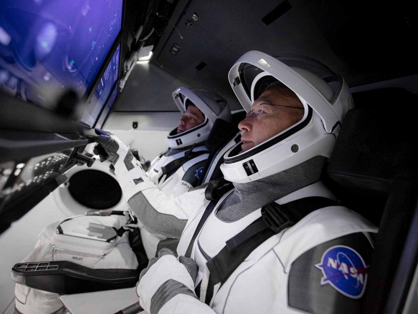 Լեգիան պատկերացրել է, թե ինչով են զբաղվել Nasa-ի տիեզերագնացները՝ թռիչքից րոպեներ առաջ (ֆոտո)
