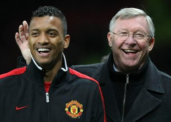 MANCHESTER, ENGLAND - DECEMBER 26:  Sir Alex Ferguson of Manchester United speaks with Nani after the Barclays Premier League match between Manchester United and Wigan Athletic at Old Trafford on December 26, 2011 in Manchester, England.  (Photo by John Peters/Manchester United via Getty Images)