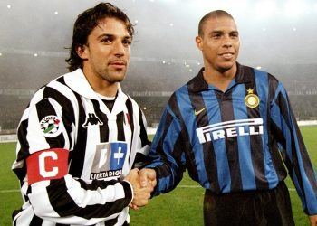 25 Oct 1998:  Ronaldo of Inter Milan and Alessandro Del Piero of Juventus during the Italian Serie A match at the Delle Alpi Stadium in Torino, Italy. Juventus won the game 1-0.  Mandatory Credit: Allsport UK /Allsport