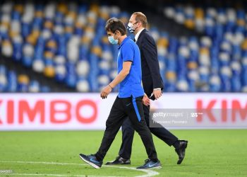NAPLES, ITALY - JUNE 13: Antonio Conte head coach of FC Internazionale leaves the pitch disappointed after the Coppa Italia Semi-Final Second Leg match between SSC Napoli and FC Internazionale at Stadio San Paolo on June 13, 2020 in Naples, Italy. (Photo by Francesco Pecoraro/Getty Images)