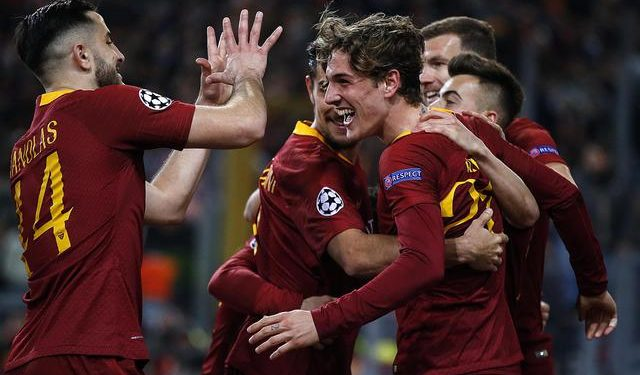 AS Roma's Nicolò Zaniolo celebrates his goal with teammates during the Champions League round of 16 first leg soccer match between AS Roma and FC Porto at the Olimpico stadium in Rome, Italy, 12 February 2019. ANSA/RICCARDO ANTIMIANI