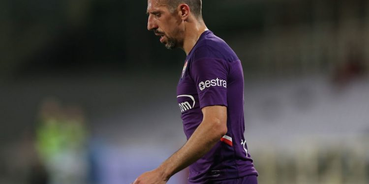 FLORENCE, ITALY - JULY 01: Franck Ribery of ACF Fiorentina shows his dejection during the Serie A match between ACF Fiorentina and  US Sassuolo at Stadio Artemio Franchi on July 1, 2020 in Florence, Italy.  (Photo by Gabriele Maltinti/Getty Images)
