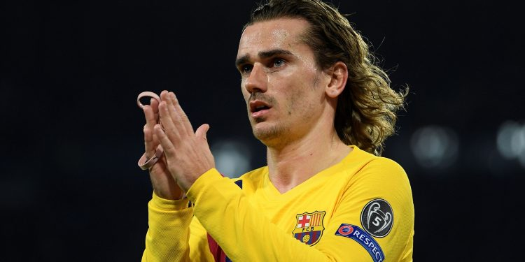 Barcelona's French forward Antoine Griezmann reacts  during the UEFA Champions League round of 16 first-leg football match between SSC Napoli and FC Barcelona at the San Paolo Stadium in Naples on February 25, 2020. (Photo by Filippo MONTEFORTE / AFP) (Photo by FILIPPO MONTEFORTE/AFP via Getty Images)
