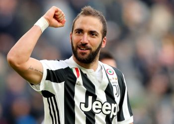 TURIN, ITALY - FEBRUARY 04: Gonzalo Higuain of Juventus celebrates after scoring a goal during the serie A match between Juventus and US Sassuolo on February 4, 2018 in Turin, Italy.  (Photo by Gabriele Maltinti/Getty Images)