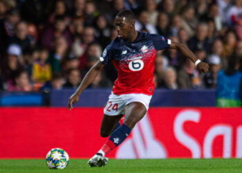 VALENCIA, SPAIN - NOVEMBER 05: Boubakary Soumare of Lille OSC controls the ball during the UEFA Champions League group H match between Valencia CF and Lille OSC at Estadio Mestalla on November 5, 2019 in Valencia, Spain. (Photo by TF-Images/Getty Images)