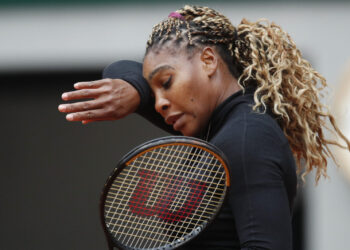 Tennis - French Open - Roland Garros, Paris, France - September 28, 2020 Serena Williams of the U.S. reacts during her first round match against Kristie Ahn of the U.S. REUTERS/Gonzalo Fuentes