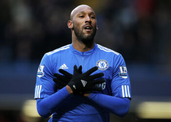 LONDON, ENGLAND - JANUARY 16:  Nicolas Anelka of Chelsea celebrates after scoring the opening goal during the Barclays Premier League match between Chelsea and Sunderland at Stamford Bridge on January 16, 2010 in London, England.  (Photo by Phil Cole/Getty Images)