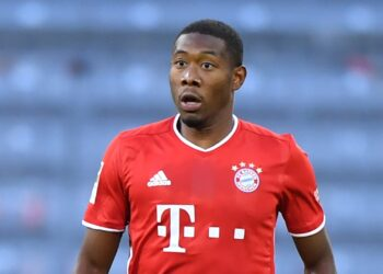 MUNICH, GERMANY - OCTOBER 04: David Alaba of Bayern Muenchen plays the ball during the Bundesliga match between FC Bayern Muenchen and Hertha BSC at Allianz Arena on October 04, 2020 in Munich, Germany. (Photo by Sebastian Widmann/Getty Images)