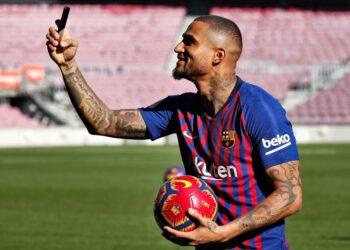 Soccer Football - FC Barcelona presents new signing Kevin-Prince Boateng - Camp Nou, Barcelona, Spain - January 22, 2019   FC Barcelona's Kevin-Prince Boateng during the presentation   REUTERS/Albert Gea