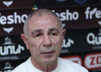Famous boxer, champion Israyel Hakobkokhyan gave a press conference in Hayeli press club