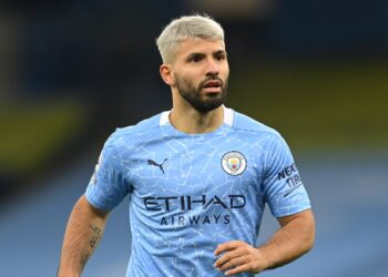 MANCHESTER, ENGLAND - OCTOBER 17: Sergio Aguero of Manchester City in action during the Premier League match between Manchester City and Arsenal at Etihad Stadium on October 17, 2020 in Manchester, England. Sporting stadiums around the UK remain under strict restrictions due to the Coronavirus Pandemic as Government social distancing laws prohibit fans inside venues resulting in games being played behind closed doors. (Photo by Michael Regan/Getty Images)