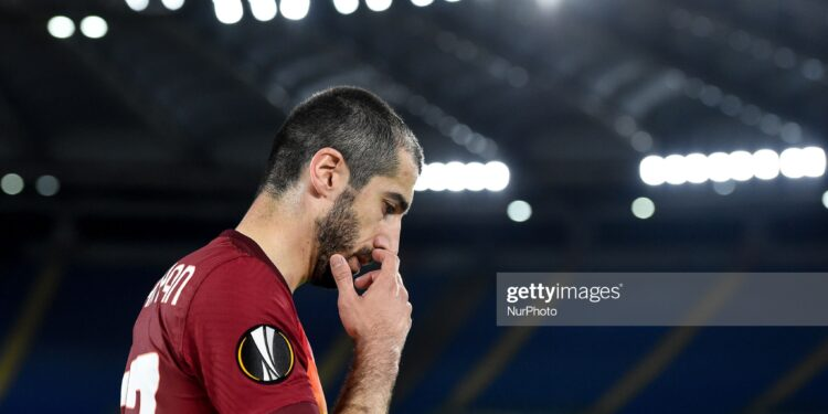 Henrikh Mkhitaryan of AS Roma looks dejected during the UEFA Europa League Round of 16 match between AS Roma and Shakhtar Donetsk at Stadio Olimpico, Rome, Italy on 11 March 2021.  (Photo by Giuseppe Maffia/NurPhoto via Getty Images)