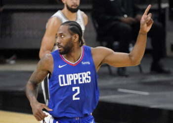 Mar 24, 2021; San Antonio, Texas, USA; Los Angeles Clippers forward Kawhi Leonard (2) reacts after scoring a basket against the San Antonio Spurs the first quarter at AT&T Center. Mandatory Credit: Scott Wachter-USA TODAY Sports