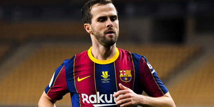 SEVILLE, SPAIN - JANUARY 17: Miralem Pjanic of FC Barcelona looks on during the Supercopa de Espana Final match between FC Barcelona and Athletic Club at Estadio de La Cartuja on January 17, 2021 in Seville, Spain. Sporting stadiums around Spain remain under strict restrictions due to the Coronavirus Pandemic as Government social distancing laws prohibit fans inside venues resulting in games being played behind closed doors. (Photo by David Ramos/Getty Images)