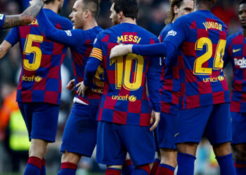 BARCELONA, SPAIN - FEBRUARY 22: (L-R) Arturo Vidal of FC Barcelona, Sergio Busquets of FC Barcelona, Arthur of FC Barcelona, Lionel Messi of FC Barcelona, Junior Firpo of FC Barcelona celebrates goal 3-0 during the La Liga Santander  match between FC Barcelona v Eibar at the Camp Nou on February 22, 2020 in Barcelona Spain (Photo by David S. Bustamante/Soccrates/Getty Images)