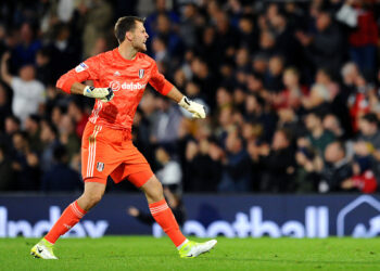 LONDON, ENGLAND - SEPTEMBER 27: Marcus Bettinelli of Fulham celebrates his team's first goal during the Sky Bet Championship match between Fulham and Wigan Athletic at Craven Cottage on September 27, 2019 in London, England. (Photo by Alex Burstow/Getty Images)